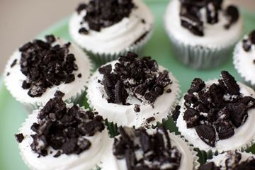 Picture of Cookies & Cream Cupcake
