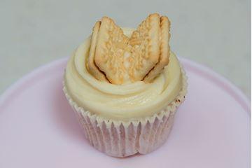 Picture of Custard Cream Cupcake