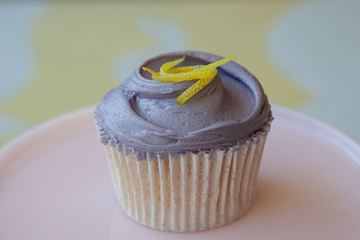 Picture of Aviation Cocktail Cupcake