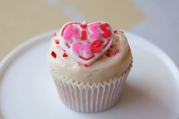Picture of Valentine's Day Vanilla Cupcake