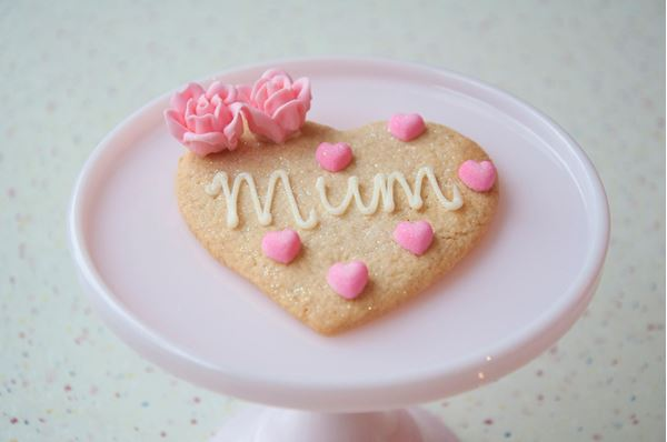 Picture of Mother's Day Heart Shaped Biscuit