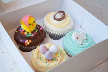 Picture of Luxury Easter Small Gift Box
