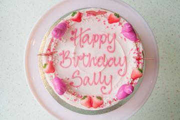 Picture of Strawberry Milkshake Celebration Cake