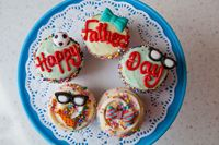 Picture of Father's Day Theme Vanilla Cupcake