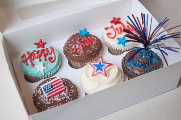 Picture of 4th July Medium Gift Box