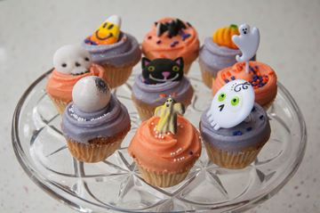 Picture of Halloween Vanilla Mini Cupcake
