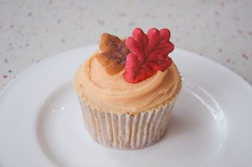 Picture of Thanksgiving Theme Vanilla Cupcake