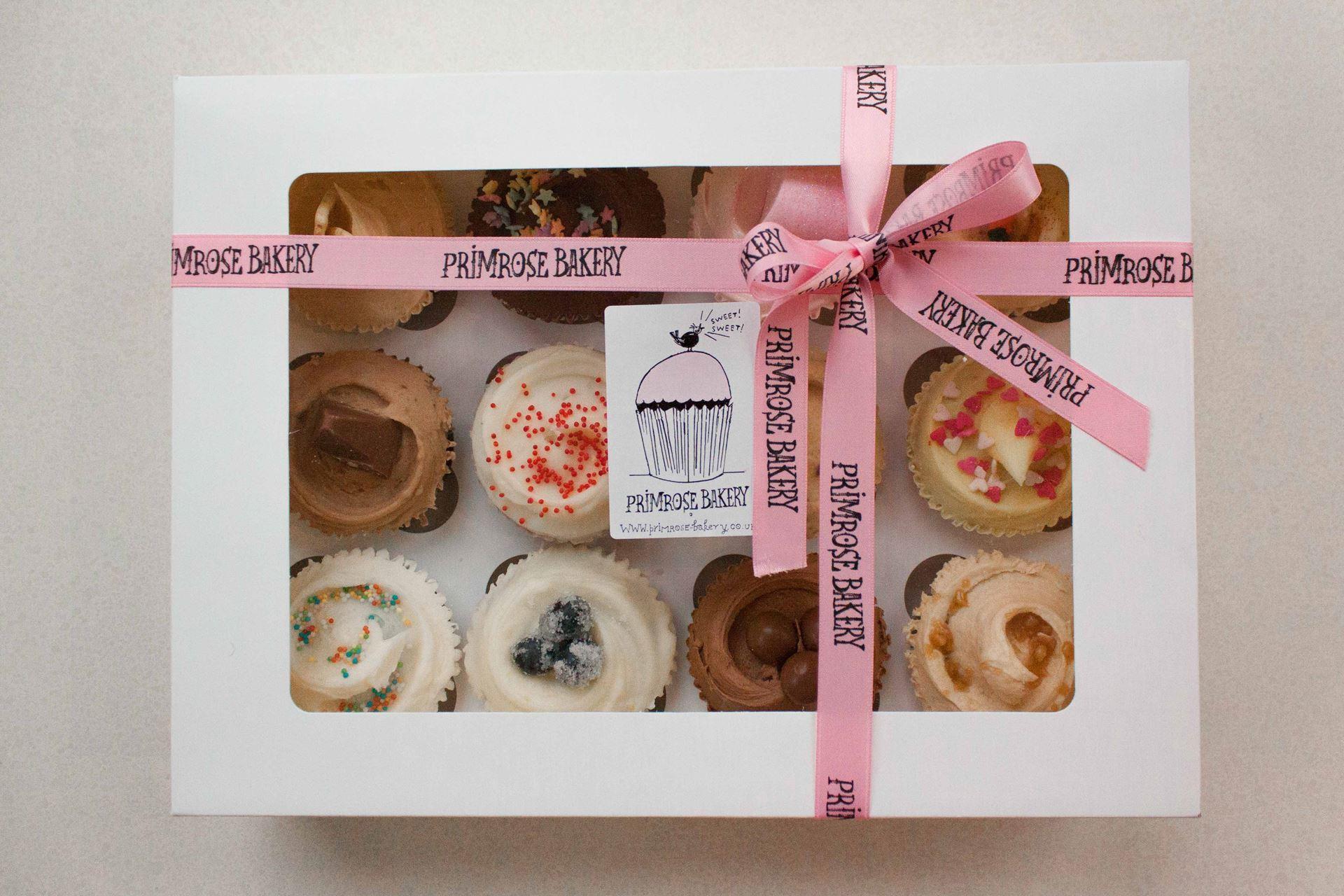 Luxury Gift Box - 12 Cupcakes