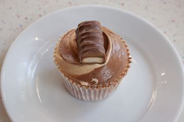Picture of Twix Cupcake