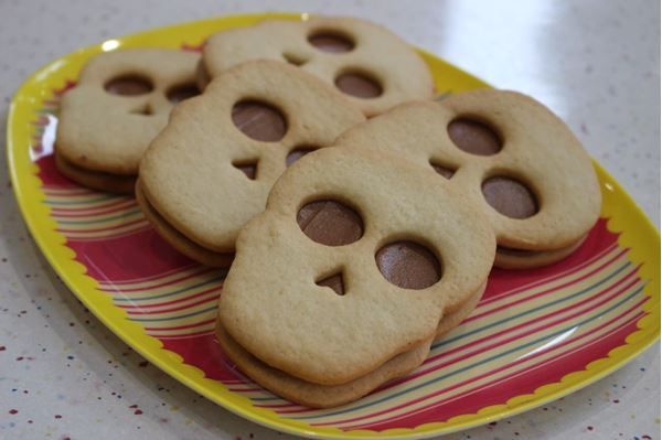 Picture of Skull Sandwich Biscuits