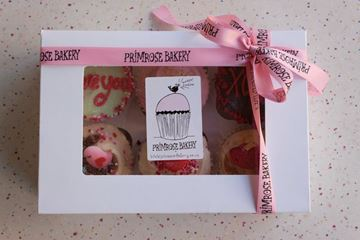 Picture of Luxury Valentine's Medium Gift Box