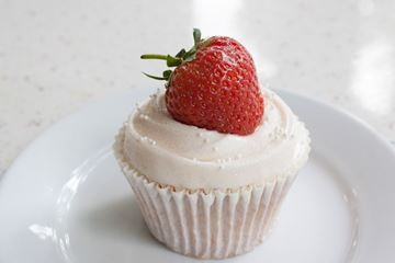 Picture of Strawberry & Prosecco Cupcake