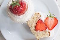 Picture of Strawberry & Prosecco Cupcake