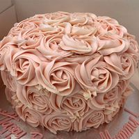 Picture of Rosette Layer Cake with Vanilla Buttercream
